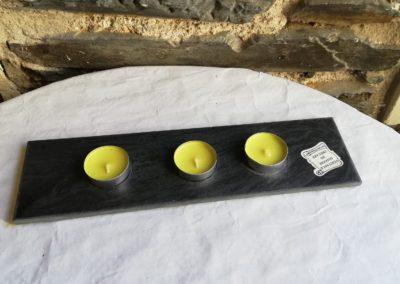 Plateau ardoise et ses 3 bougies à 7€