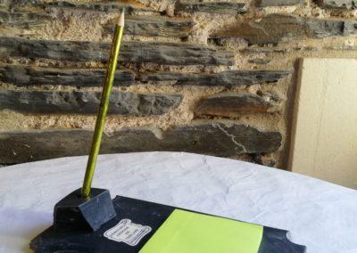 Bloc Post-it avec porte crayon à 10€