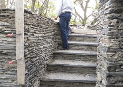 Mur et escalier